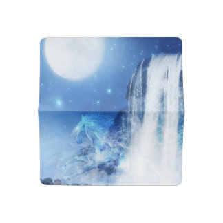Caballo y cascada azules funda para chequera