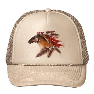 Caballo y gorra de las plumas del rojo