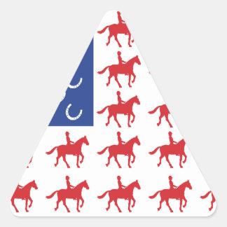 Caballo y jinete patrióticos pegatina triangular