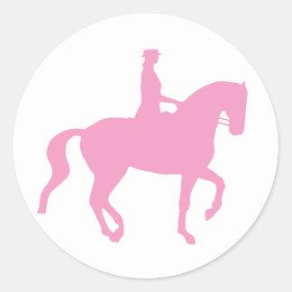 Caballo y jinete (rosa) del Dressage de Piaffe Pegatina Redonda
