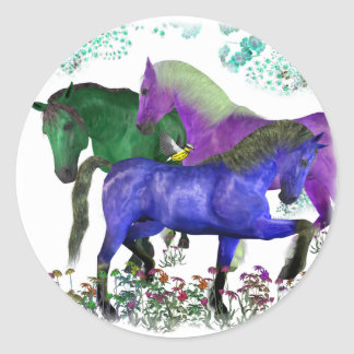 Caballos coloreados fantasía en diseño gráfico de etiqueta redonda