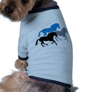Caballos corrientes coloreados camiseta con mangas para perro