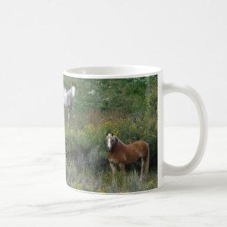 Caballos de la mañana taza