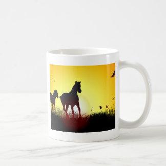 caballos de la mañana taza clásica