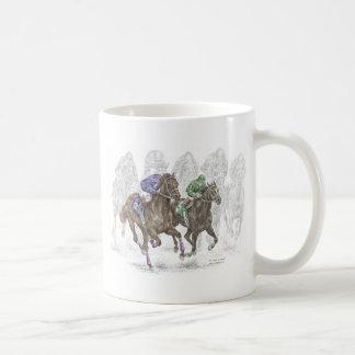 Caballos de raza galopantes taza