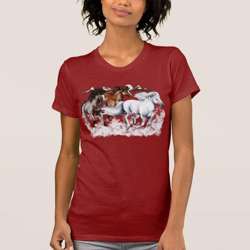 Caballos en camiseta de la nieve