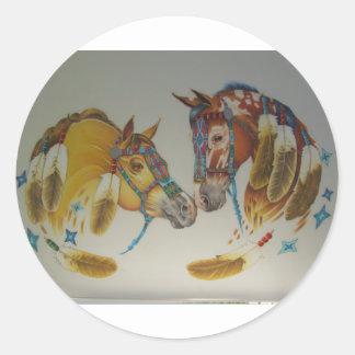 Caballos en dúo en colores pastel pegatina redonda