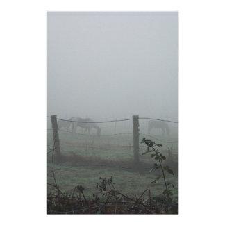 Caballos en la niebla papeleria personalizada