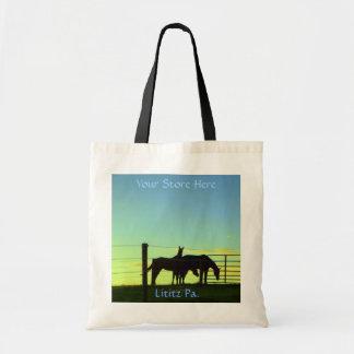 Caballos en la puesta del sol tote Añada su nomb Bolsa De Mano