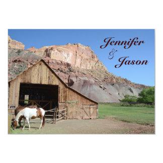 Caballos estables del granero del país que casan invitación personalizada
