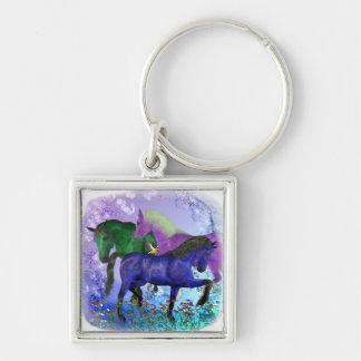 Caballos, fantasía coloreados en fondo púrpura llaveros personalizados