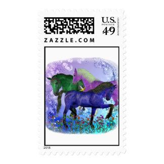 Caballos, fantasía coloreados en fondo púrpura franqueo