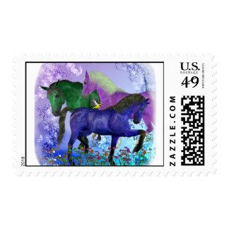 Caballos, fantasía coloreados en fondo púrpura envio