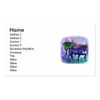 Caballos, fantasía coloreados en fondo púrpura plantillas de tarjetas personales