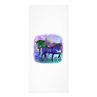Caballos, fantasía coloreados en fondo púrpura plantillas de lonas