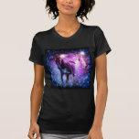 caballos hermosos en fondo púrpura y negro camiseta
