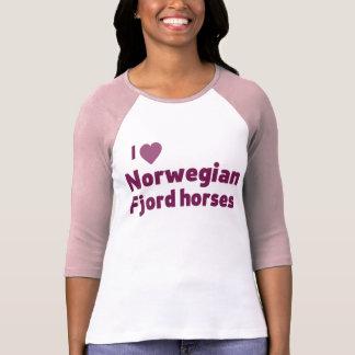 Caballos noruegos del fiordo camisetas