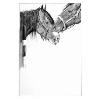 Caballos Nuzzling: Dibujo de lápiz: Equino Pizarras Blancas De Calidad