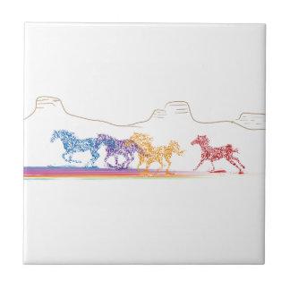 Caballos pintados en el desierto pintado azulejo cuadrado pequeño