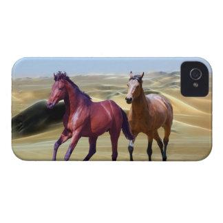 Caballos salvajes en el desierto iPhone 4 Case-Mate coberturas