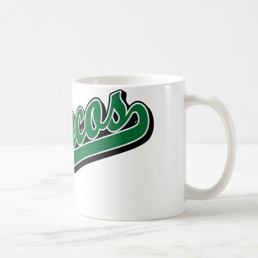 Caballos salvajes en verde taza básica blanca