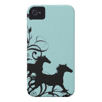 Caballos salvajes negros iPhone 4 protectores