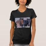 Caballos salvajes y camiseta maravillosa de las