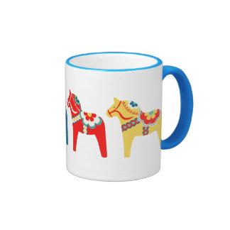 Caballos suecos taza de dos colores