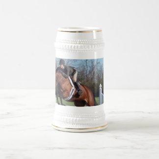 Caballos y cerveza de salto Stein de la demostraci Tazas De Café