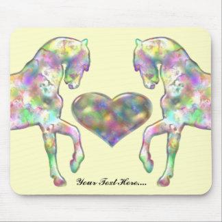 Caballos y corazón adaptables Mousepad