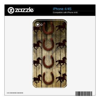 Caballos y herraduras en los regalos de madera del calcomanías para iPhone 4
