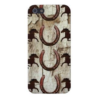 Caballos y herraduras en los regalos de madera del iPhone 5 fundas