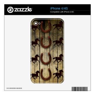 Caballos y herraduras en los regalos de madera del iPhone 4 skins