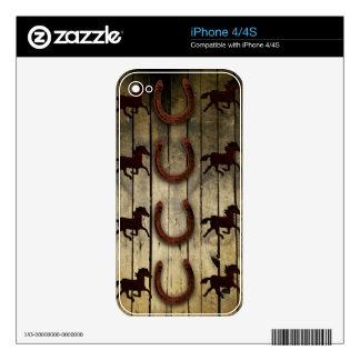 Caballos y herraduras en los regalos de madera del iPhone 4S skin