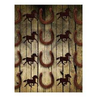 Caballos y herraduras en los regalos de madera del membrete