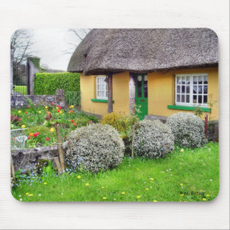 Cabaña cubierta con paja irlandesa Mousepad Alfombrillas De Ratón