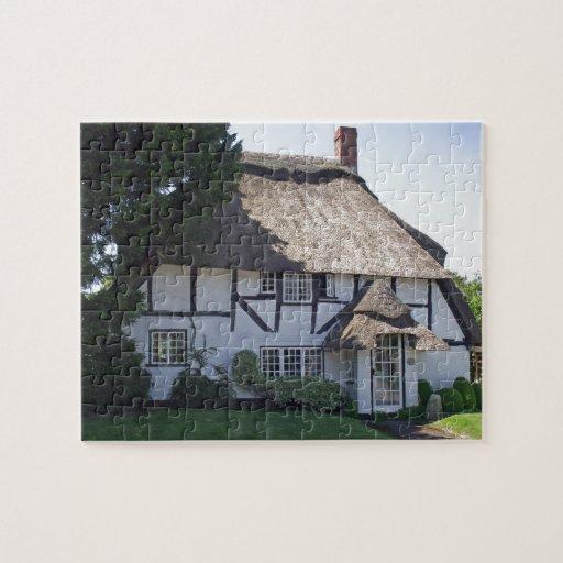 Cabaña cubierta con paja Mitad-Enmaderada Puzzles