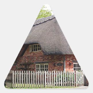 Cabaña cubierta con paja, Reino Unido 12 Calcomania De Triangulo Personalizadas