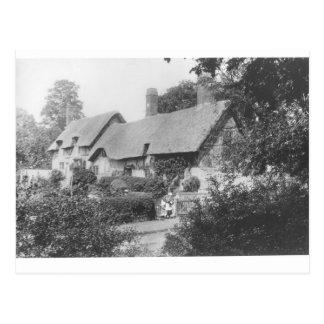 Cabaña de Anne Hathaway Postal