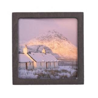 Cabaña de Blackrock, Glencoe, montañas, Escocia 2 Cajas De Recuerdo De Calidad