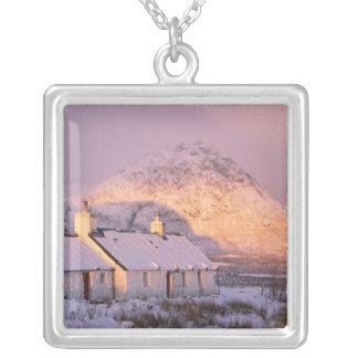 Cabaña de Blackrock, Glencoe, montañas, Escocia 2 Joyerias