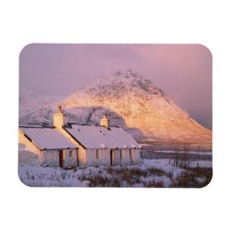 Cabaña de Blackrock, Glencoe, montañas, Escocia 2 Imán