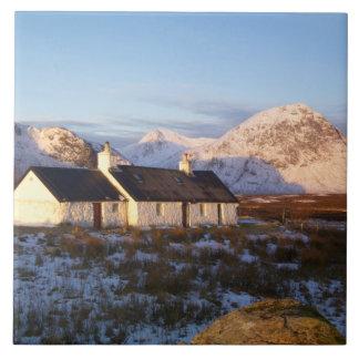 Cabaña de Blackrock, Glencoe, montañas, Escocia Azulejos