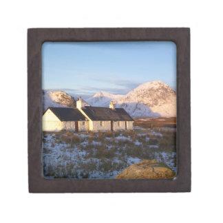 Cabaña de Blackrock, Glencoe, montañas, Escocia Caja De Regalo De Calidad