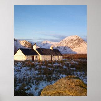 Cabaña de Blackrock, Glencoe, montañas, Escocia Posters