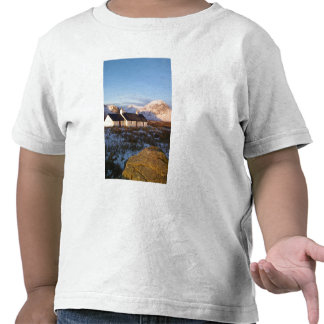 Cabaña de Blackrock, Glencoe, montañas, Escocia Camiseta