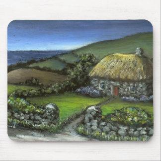 Cabaña de piedra en Donegal Tapetes De Ratones