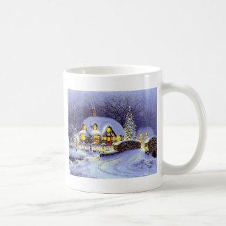 Cabaña del navidad taza clásica