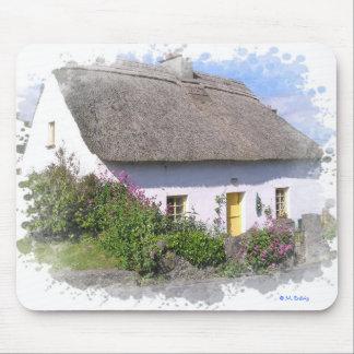 Cabaña florida irlandesa Mousepad artístico