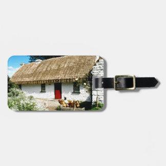 Cabaña irlandesa etiquetas de maletas